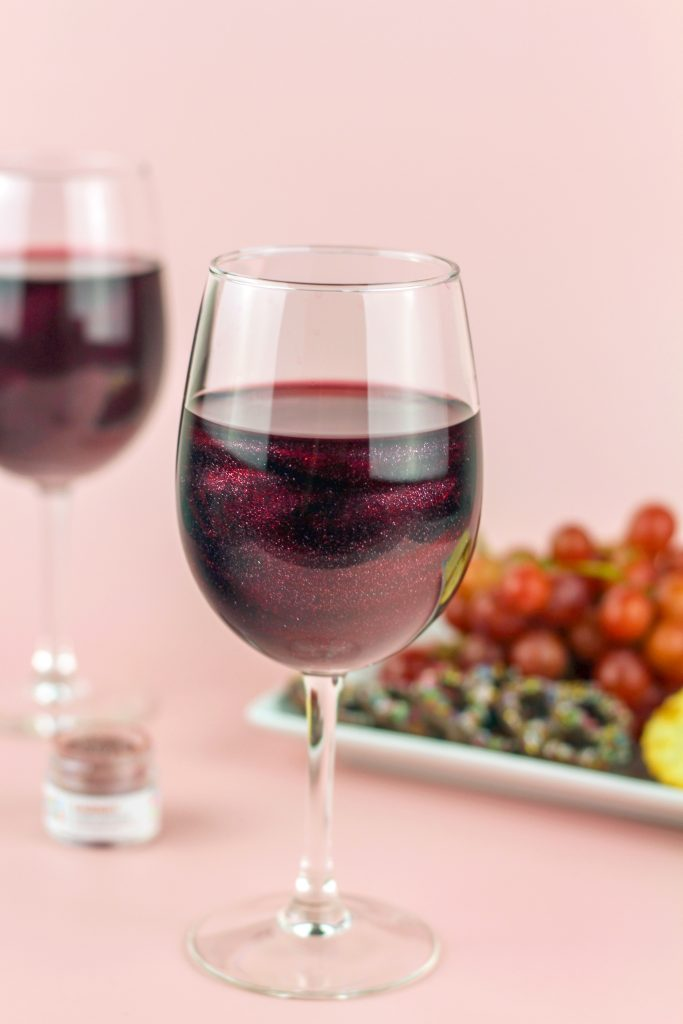edible glitter for drinks in wine for fall