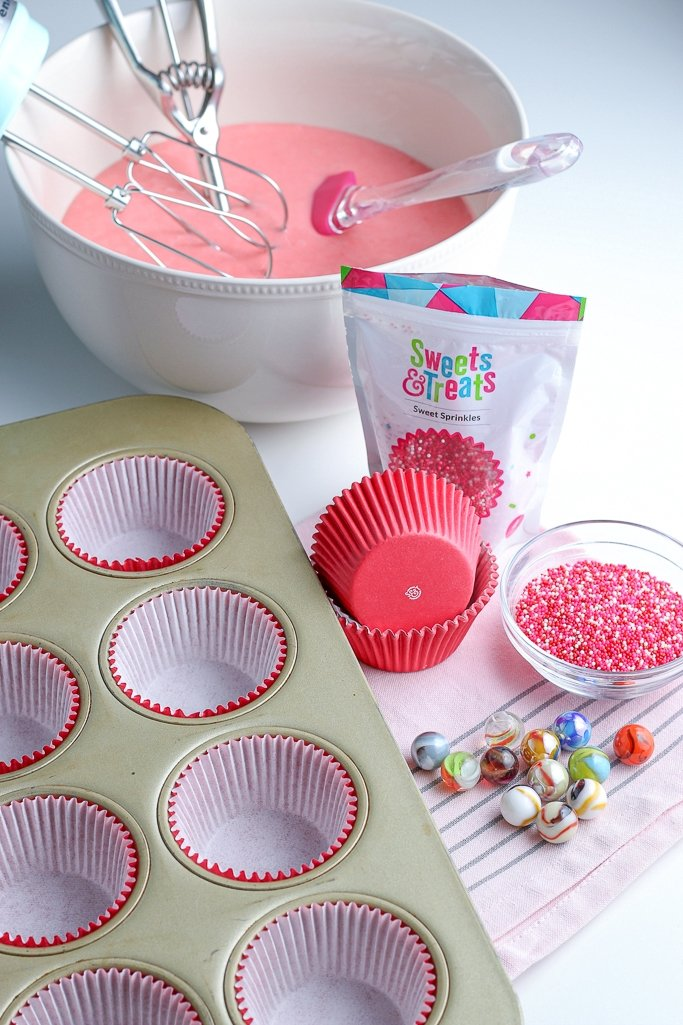 This image shows us how we will take a regular pan and turn it into a heart shaped cupcake pan!