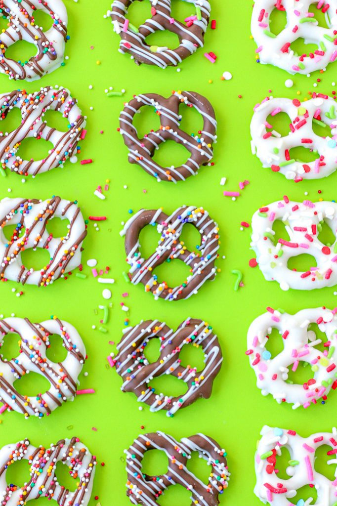 The finished chocolate pretzels are adorable. Here we see that once we know how to make chocolate covered pretzels the end result is fun and tasty!