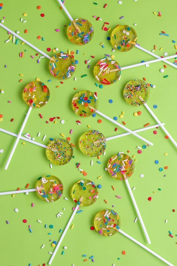 Here we see the finished sprinkle lollipop recipe ready to be served, shared, and enjoyed!
