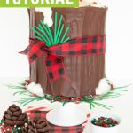 Christmas log cake tutorial - how to make a log cake graphic with pinecone cupcakes in buffalo plaid cupcake liners