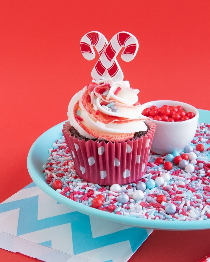 Chocolate peppermint cupcakes recipe with frost bite sprinkles and peppermint frosting